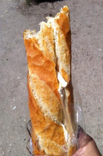 Un baguette, ah ha ha, oh oh oh oh.